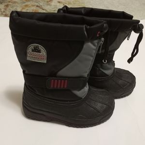 Buster Brown Thinsulate insulation black boots